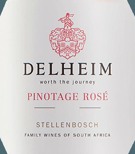 """Il Pinotage Rosé di Delheim Wines si presenta in un vivido rosa brillante. Il bouquet unico, denso e fragrante di questo vino rosato dal Sudafrica ricorda un cesto di frutta pieno di lamponi rossi dolci, mirtilli, fragole selvatiche e ciliegie succose e dolci. Al palato, questo Pinotage Rosé è fresco, fruttato, succoso e rotondo. L'acidità croccante della frutta è controbilanciata da una dolcezza sottile e meravigliosamente fondente, che bilancia perfettamente questo rosé del Capo. Vinificazione del Pinotage Rosé di Delheim Questo classico è stato vinificato dal 1976. Allora, Michael """"Spatz"""" Sperling e sua moglie Vera hanno creato un vero classico quando hanno creato il Pinotage Rosé nella prima annata. Premi regolari e il premio multiplo come miglior rosé dell'anno (rivista specializzata Weinwirtschaft), hanno reso il vostro Pinotage Rosé una leggenda.Le uve Pinotage per questo vino crescono su terreni argillosi e sabbiosi espressivi nella comunità Muldersvlei Bowl nella leggendaria regione di Stellenbosch. Il Delheim Rosé è vinificato principalmente dal vitigno rosso Pinotage, che è particolarmente tipico per il Sudafrica, con l'aggiunta di una piccola percentuale di fragrante uva Muscat. Le uve vengono raccolte a mano e selezionate ancora una volta prima di essere macerate. Le bacche vengono poi schiacciate, il mosto viene lasciato sulle bucce solo per poco tempo e il mosto rosa morbido viene poi fermentato. Raccomandazione per il Delheim Pinotage Rosé Godetevi questo rosé da solo come aperitivo o con ceviche, zuppa di peperoni gialli, carbonara di chorizo e gyros di tacchino. Questo affascinante rosé è fatto da 90% Pinotage e 10% Muscat."""