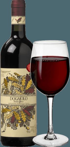 Il Dogajolo Toscano Rosso di Carpineto è il classico tra i baby Supertuscans. Come per tutti i Supertuscans, l'uva Sangiovese del Chianti è il cuore del vino. Il Cabernet Sauvignon e altri vitigni vengono aggiunti. Il colore del Dogajolo Rosso è meglio descritto con un rosso ciliegia brillante. Mediamente denso nel bicchiere, profuma elegantemente di ciliegie acide mature, completate da un po' di melograno e ribes rosso. Delicate sfumature di vaniglia e un bel tocco di quercia completano. Al palato, ilDogajolo Toscano Rosso è piacevolmente fresco, vivace e scattante. Tannini presenti ma ben integrati e una fresca acidità fruttata danno al vino presa e carattere. Un eccellente compagno di cibo, che non rinuncia al fantasma anche con cibi ricchi e grassi. Vinificazione del Dogajolo Toscano Rosso Le uve sono raccolte separatamente secondo il vitigno e vinificate separatamente. Maturano poi in piccole botti di rovere usate, dove avviene anche la trasformazione biologica dell'acido. Dopo l'imbottigliamento a marzo e aprile dell'anno successivo, questo vino rosso toscano viene venduto direttamente, ma può anche essere invecchiato per diversi anni senza problemi. Consigli alimentari per il Dogajolo Toscano Rosso di Carpineto Godetevi questa cuvée Toscana con piatti di carne sostanziosi, manzo e maiale alla griglia o con un abbondante piatto di salsicce con del buon pane casereccio. Naturalmente, il Dogajolo Rosso si abbina anche a piatti di pasta con sughi di carne o di pomodoro. Premi per il Carpineto Dogajolo Rosso Selezione: 3 stelle (molto buono) per il 2015 Wine Enthusiast: 86 punti per il 2015 Wine Spectator: 86 punti per il 2014 Wine Align: Top Value per il 2012 Premio Mondiale del Vino del Canada: Oro per il 2012
