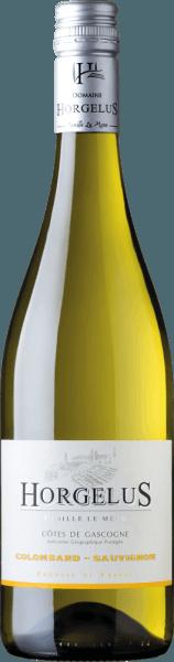 Il Domaine Horgelus Blanc Côtes de Gascogne IGPcolpisce per il suo colore giallo chiaro brillante, il suo bouquet varietale fresco e intenso in cui predominano aromi di agrumi, frutti tropicali e note floreali. Una cuvée molto riuscita e gustosa, che è fruttata ed elegante al palato con una struttura acida vivace e un retrogusto leggermente minerale. Coltivazione e vinificazione del vino Horgelus Blanc Sui pendii soleggiati della Guascogna, nel cuore della Francia sud-occidentale, crescono le viti per i vini della cantina Domaine Horgelus della famiglia Le Menn. Con Yoan, è già la quinta generazione che produce vini, ogni anno vengono creati nuovi vini, nuove cuvée che continuano lo spirito del Domaine: vini piacevoli, non complicati e facilmente accessibili per molte persone e per ogni occasione. Il vino bianco del Domaine Horgelus è fatto da 75% Colombard e 25% Sauvignon, coltivati nei vigneti dei 66 ettari del domaine. Il segreto dei vini di Yoan Le Menn è di conservare gli aromi fruttati e la freschezza dei suoi vini. Per questo motivo, la vendemmia si svolge a partire dalle 3 del mattino fino alle prime ore del mattino per sfruttare al meglio il fresco delle ore mattutine. La fermentazione alcolica a temperatura controllata avviene subito dopo una pressatura delicata in serbatoi di acciaio inossidabile. Di conseguenza, i vini in bottiglia come l'Horgelus Blanc sorprendono con i loro ricchi bouquet e sapori fruttati. Premi e riconoscimenti dell'Horgelus Blanc ConcoursGénéral Agricole 2018 - Oro Foodpairing / raccomandazione di cibo per il Horgelus BlancColombard Sauvignon Questo vino bianco Horgelus fresco e delicatamente profumato della Guascogna è un vino per tutti e per molte occasioni. Il francese senza complicazioni si abbina perfettamente a pollame, carne bianca, pesce e frutti di mare al vapore, insalata mista con vinaigrette.